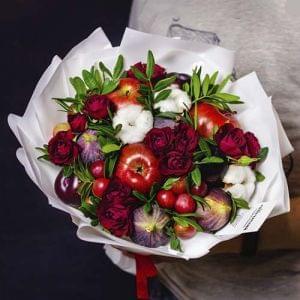"""Букет из фруктов и цветов """"Турмалин"""""""