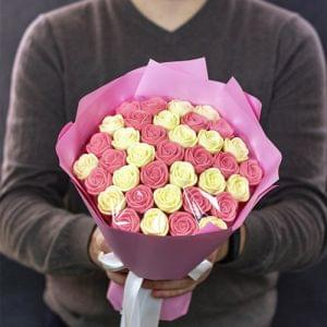 Цветок Сакуры (37 роз)